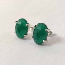 Green Onyx Oval Silver Prong Stud Earring